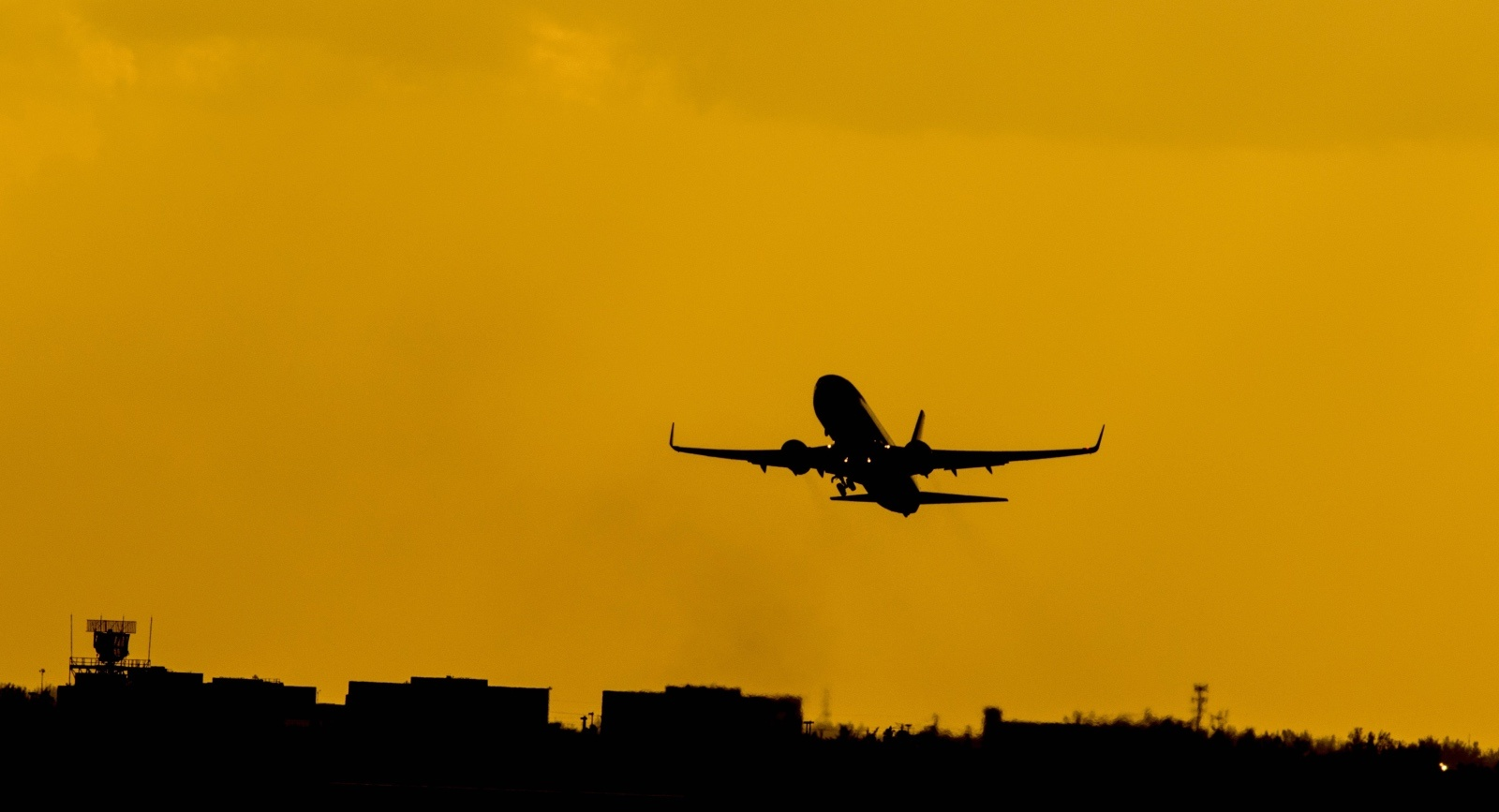 airport-bluetooth-beacons.jpg