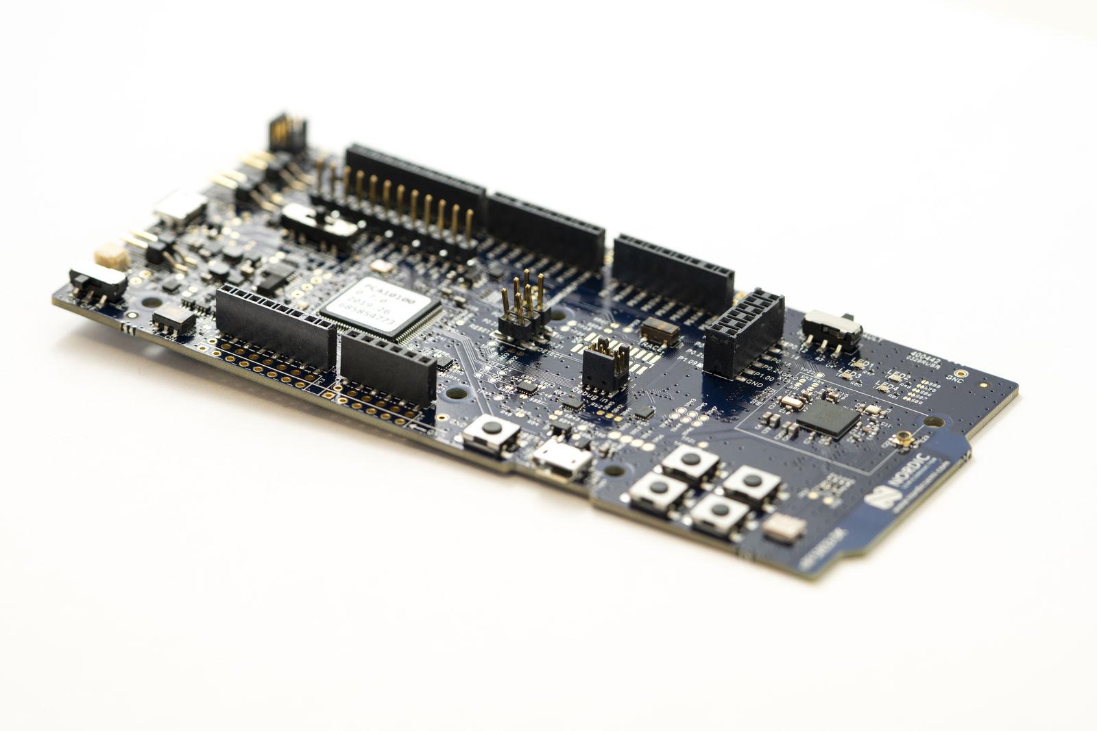 nRF52833 DK